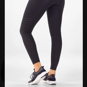 Fabletics Pants - Sync High-Waisted Perforated 7/8